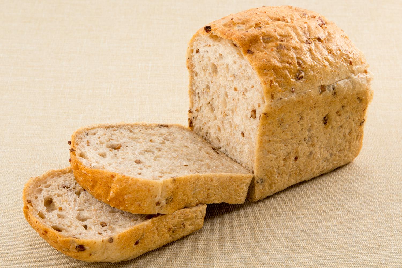 全粒粉の食パンの写真