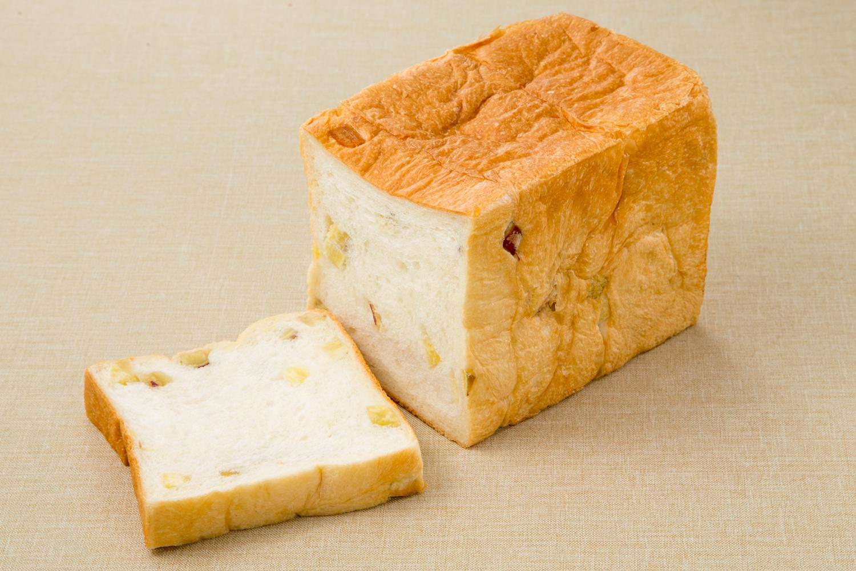 鳴門金時食パンの写真
